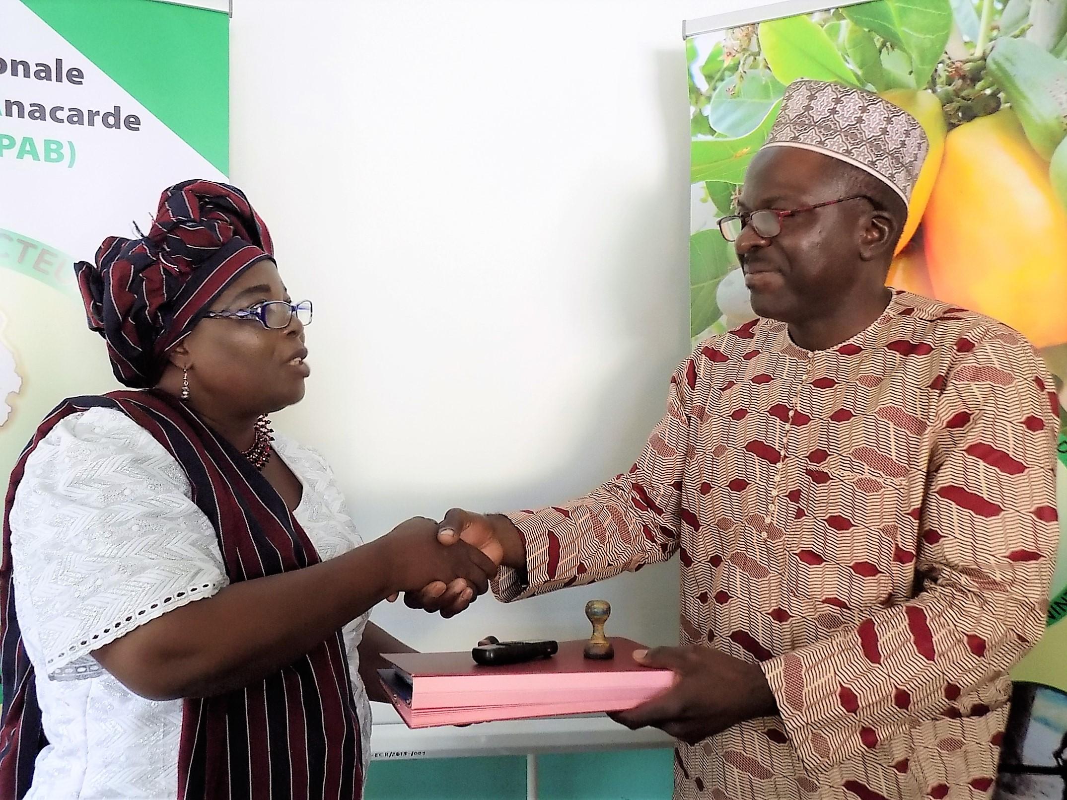 Madame Sahadatou ATTA KAKAYATCHI prend officiellement les commandes de la FENAPAB